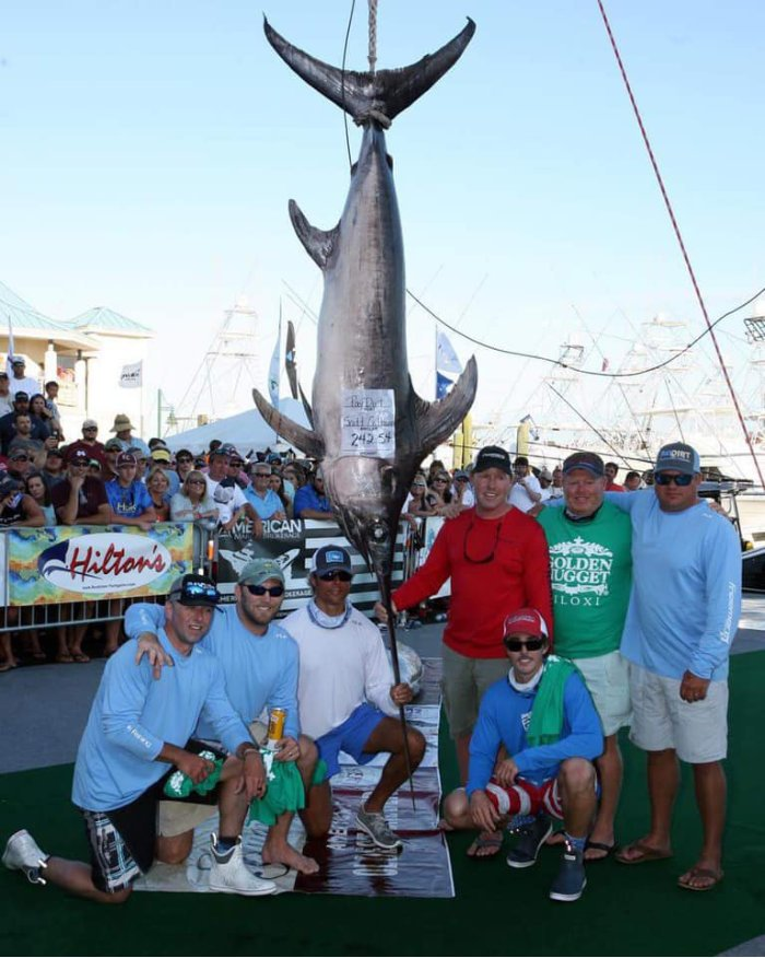 Apalachicola Fishing Company team with grand prize fish